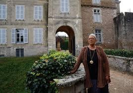 la chapelle de la.  Chapelle Marie Bolduc La Gardienne Sert De Guide Aux Visiteurs En Collaboration  Avec Lu0027 On La Chapelle De H
