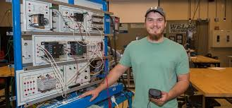 Construction Electrician Ntc Has Russell Mason Moving Toward Future As A Construction