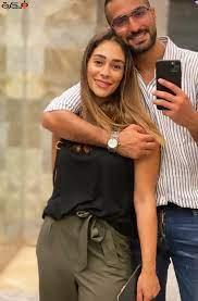 شاهد صورة رومانسية للفنان محمد الشرنوبي برفقة زوجته راندا رياض