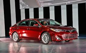 2013 Toyota Avalon First Look - Motor Trend