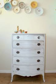 38 Adorable White Washed Furniture Pieces For Shabby Chic And