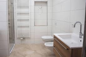 Emejing Badezimmer Fliesen Streichen Ideas House Design Ideas