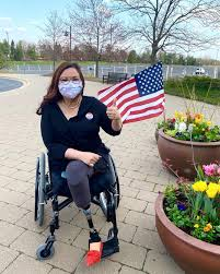 She lost both legs, and her right arm was … Tammy Duckworth Photos Facebook