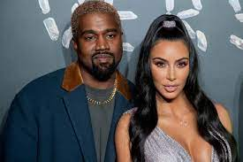 Kim Kardashian + Kanye West: Sie zeigen ihren Traumpalast - und Twitter  spottet
