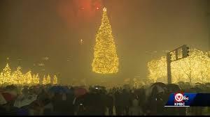 Kansas City Mayor S Christmas Tree Lighting Ceremony Big Crowd Turns Out For Lighting Of Kc Mayors Christmas Tree