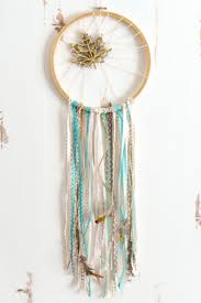 DIY Fall Dream Catcher -- If you love the delicate, boho style of a
