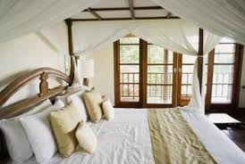 How to Make a Colonial Canopy Bed Drape | Home Guides | SF Gate