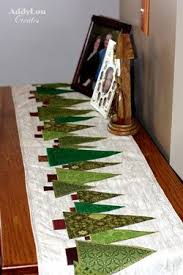 Best 25+ Christmas quilting ideas on Pinterest | Quilted table ... & Addy Lou Creates: Handmade Christmas Cheer {Tree Table Runner:Tutorial}  Could be a bed runner, as well Adamdwight.com
