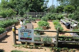 the garden receives its direction from a committee of approximately 25 members who meet monthly from march through september planning activities and