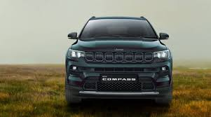 See full list on caranddriver.com Fca India Drives In New Version Of Jeep Compass With Price Starting At Rs 16 99 Lakh