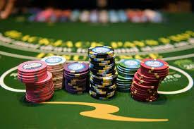 Patrons keep gambling as casinos prepare for coronavirus pandemic |  TribLIVE.com