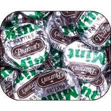 york wintergreen patties. pearson\u0027s dark chocolate mint patties: 240-piece tub york wintergreen patties e