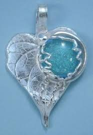 beautiful stones made by fusing in small amount of your pet s ashes into gl what a sweet way to always have your beloved pet with y