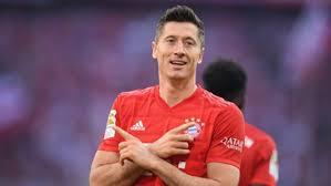 Bayern striker (knee) sidelined for around four weeks, will miss both legs of ucl quarterfinal Robert Lewandowski Bleacher Report Latest News Videos And Highlights