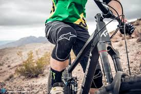 Alpinestars Knee Pad Size Chart Team Tested Alpinestars Paragon Knee Protector Review