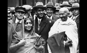 p accompanied by mrs sarojini naidu mahatma gandhi is pictured at boulogne station