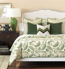 pillow basics decorating tricks for your bedroom bedroom decorating ideas how to arrange bed pillows arrange pillows on bed pillow arranging arrange bedroom decorating