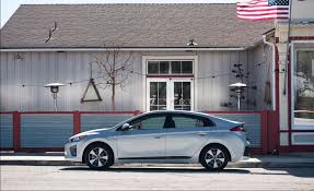 2018 hyundai plug in. brilliant hyundai 2018 hyundai ioniq plugin hybrid review on hyundai plug in