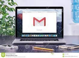 Logo Googles Gmail Auf Anzeige Apples MacBook An Büroarbeitsplatz  Redaktionelles Stockfoto - Bild von redaktionell, beweglich: 57777423