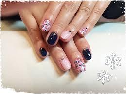 ネイル冬定番のツイードは攻めのピンクとネイビーで Mon Favori
