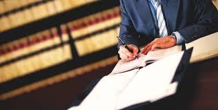 Общая характеристика дипломной работы по юриспруденции и этапов ее  Общая характеристика дипломной работы по юриспруденции и этапов ее выполнения