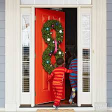 christmas front door decorationsPretty Christmas Door Decorations