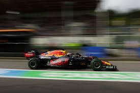 Formel 1 är en motorsportstävling där varje tävling benämns grand prix. Iso2nhbgaxsdsm