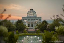 stroll through the gardens enjoy live wine and beer dining and ping garden partners with richmond spca on second thursdays of