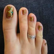 Beautiful toe Nail Designs for Fall