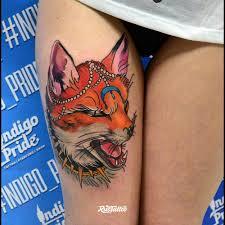 фото татуировки лиса в стиле нео традишнл татуировки на бедре