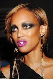 tyra banks looked like she had done her make up in