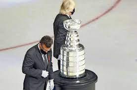 Stanley Cup eine Delle hatte ...