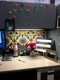 Fun ideas for the office Workplace Fun Cubicle Decorating Decorations Cubicle Christmas Decor Office Cubicle Design Ideas Office Office Desk Decor Ideas Office Table Decoration Doragoram Decorations Cubicle Christmas Decor Office Cub 36456 Ecobellinfo