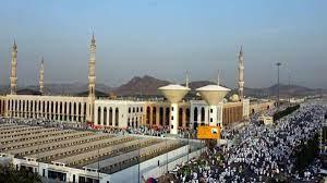 ماذا تعرف عن مسجد نَمِرة.. قصة الاسم وتاريخ المبنى