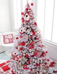 White Christmas Tree With Red And Green Decorations (02)