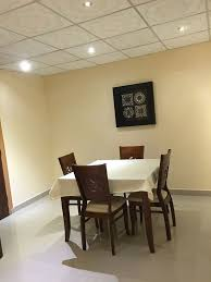 air conditioning room service 24 hours free toiletries shower only lcd tv daily housekeeping cable tv service smoking and non smoking hair dryer free