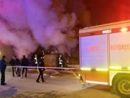 Levent'te AVM'de küçük çaplı yangın