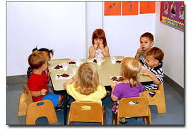 preschool lunch table. Children Also Learn What Is Considered Appropriate And Inappropriate Table Discussions. As They Eat, Preschoolers Social Practical Skills Preschool Lunch R