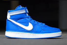nike vandal high. in a past life i was huge into sneakers. after selling off much of my collection, interest sneakers has really come back the year or so. nike vandal high o