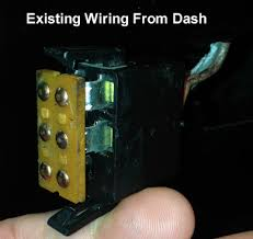 dual tank selector switch help truck forum meanwhile i looked under the dash and found this connector and wanted to know if that was supposed to connect to the new selector switch but it doesnt look