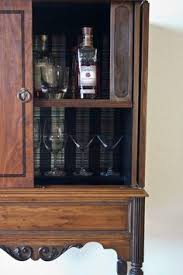 CHIPPENDALE STYLE WALNUT LIQUOR CABINET | The Chippendale Style ...