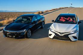 Does the 2018 honda accord sport 2.0t offer more than the toyota camry? 2018 Toyota Camry Xse V 6 Vs 2018 Honda Accord Touring 2 0t Comparison