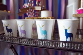Decor for office Industrial Bizbash Easy Decor Ideas For Inoffice Holiday Parties