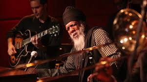 Know The Difference Between Jazz Artists: Dr. <b>Lonnie Smith</b> who ...