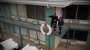 martin luther king jr andrew young and jesse jackson return to the motel balcony where he was shot cnn