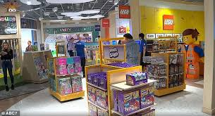 Toys R Us Will Return With First New Retail Store In New