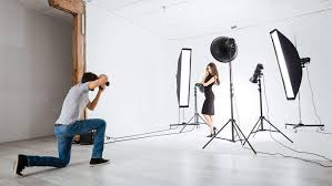 photographer model studio lighting