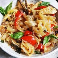 keto thai drunken noodles dish clean