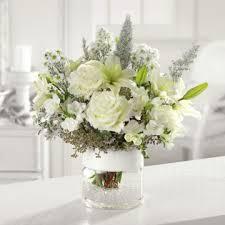 White wedding centerpieces Elegant White Floral Wedding Centerpieces One Stop Wedding One Stop Wedding White Floral Wedding Centerpieces