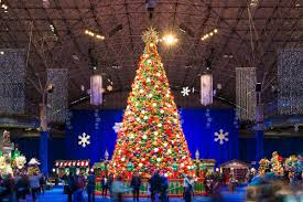 christmas tree lighting chicago. Giant Tree At Navy Pier Winter WonderFest Christmas Lighting Chicago C